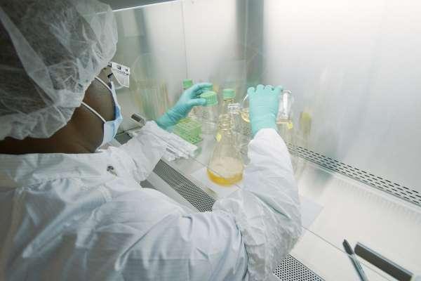 lab worker preparing drug